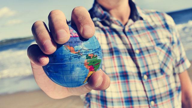 Стоит ли искать работу за границей?